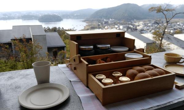 河口湖と富士山を眺めながらオシャレな朝食を