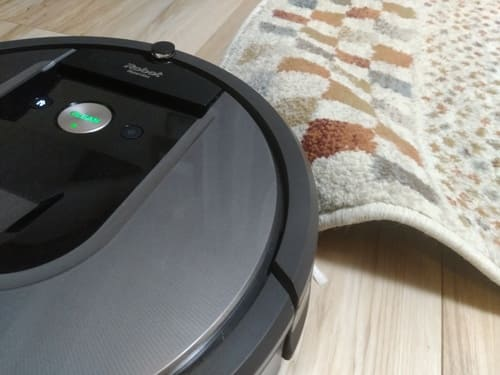 薄いカーペットは段差がないがゆえに、めくれあがってしまうので注意