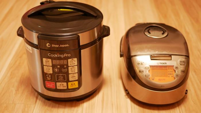 クッキングプロと炊飯器の大きさ比較。横幅はほとんど変わらない