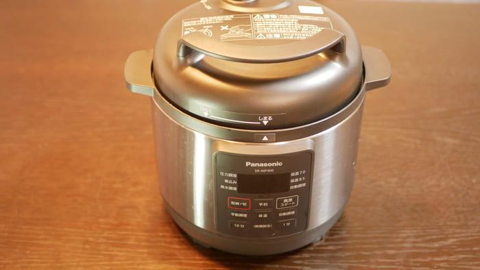 パナソニックの電気圧力鍋「SR-MP300」もおしゃれでおすすめ。