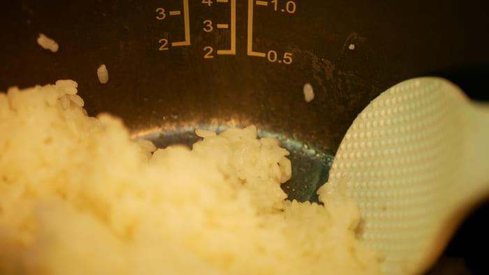 内なべが加工されているのでご飯粒のこびりつきもほとんどない