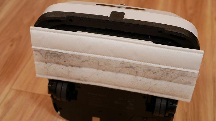 ブラーバジェットm6のから拭きモードではホコリや髪の毛が吸着できる