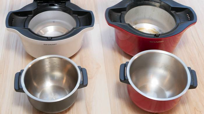 内鍋の大きさも違う(左)1.6Lモデル(右)2.4Lモデル