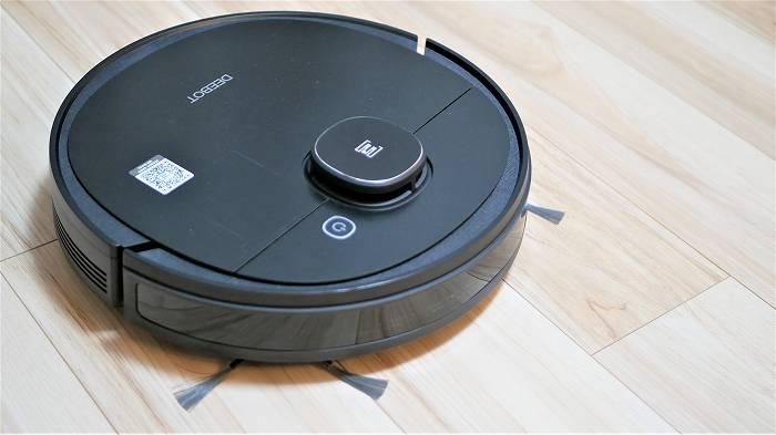 「DEEBOT OZMO 950」は中価格帯にも関わらず高性能なロボット掃除機です