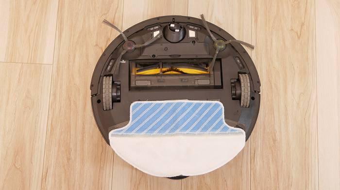 給水タンクとモップを付けることで水拭きが可能