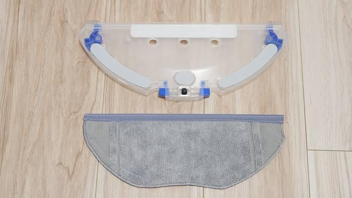 水拭きは専用のモップパッドを付けて行う