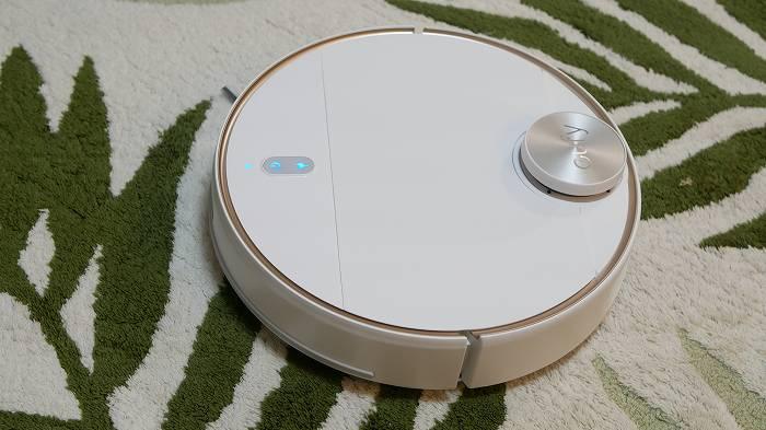 Eufy「RoboVac L70 Hybrid」はデザインもシンプルで洗練されています