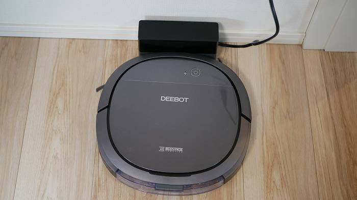 DEEBOT OZMO Slim10は掃除が終わると自動充電される